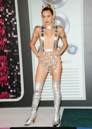 Miley Cyrus: 2015 MTV Video Music Awards in Los Angeles [adds]-47